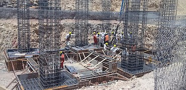{ Tertiary crusher (HPGR) platform foundation concrete pour }