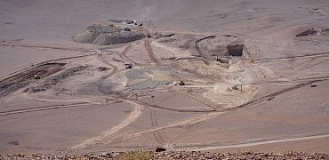 { Crushing circuit earthworks (Looking southeast from Lindero deposit) }