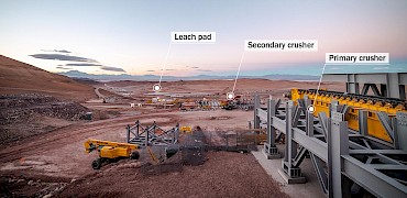 { Primary crusher: Apron feeder discharge installation work }