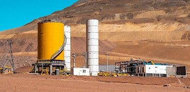 Panoramic view of the agglomeration plant and Lindero deposit