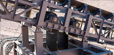 Secondary crusher: Tensioner for conveyor belt