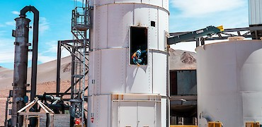SART plant: Lime silo installation work