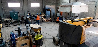 Gold refinery room: Electrical and piping installation work